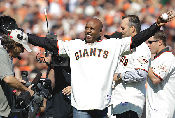 Indictment of love: S.F. cheers home run champ Bonds at NLCS