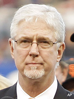 Mike Krukow generalizes both Philly and San Francisco fans