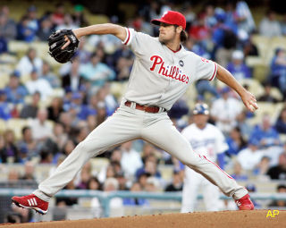 Morning Juice: Classic Cole Hamels dominates Dodgers again