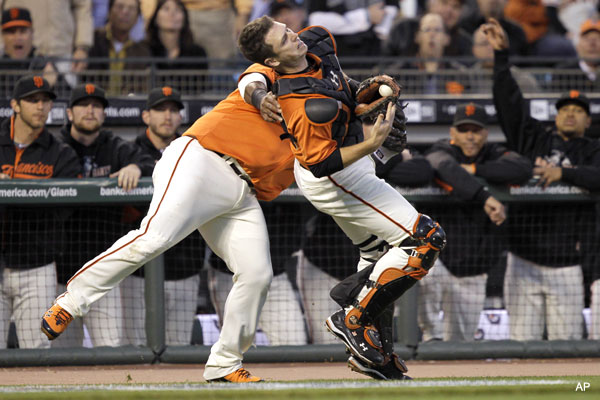 Posey and Panda collide, Giants avoid early disaster