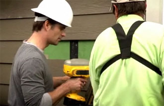 Jeff Gordon gets his hands dirty on 'Extreme Makeover'