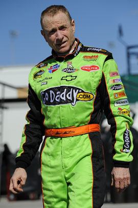 Mark Martin, nicest man on Earth, stands up for Junior, Danica