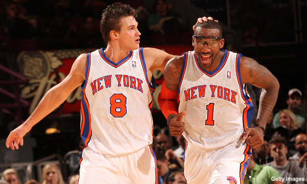 C-a-C: Danilo Gallinari can palm Amar'e Stoudemire's head