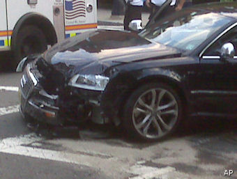 Tom Brady slammed for taking (now wrecked) car from charity
