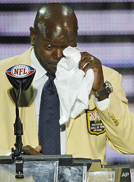Emmitt Smith steals the show with emotional enshrinement speech