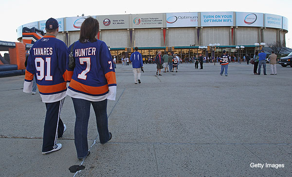 Trending Topics: Islanders are petty bullies; Damien Cox out
