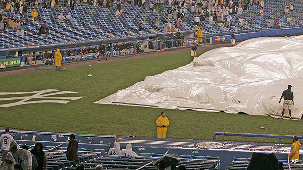 Keep Yankee Stadium dry, or it's hockey at Wrigley