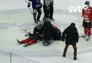 Swedish referee performs on-ice CPR, saves player's life