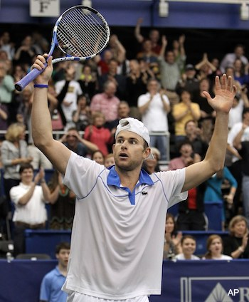 Analyzing Andy Roddick's shot through photographs