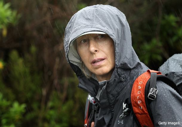 Months after beating breast cancer, Navratilova climbs Kilimanjaro