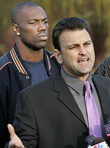Drew Rosenhaus, right, is Terrell Owens' former agent. (AP)