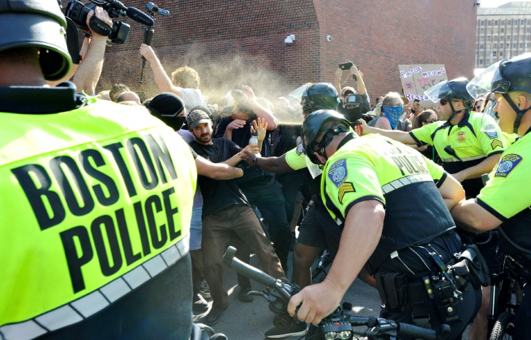 US police fire pepper spray after pro-Trump Straight Pride parade