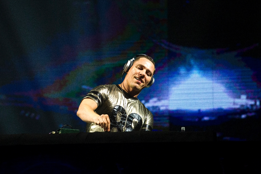 Tiesto among top DJs at US TomorrowWorld festival