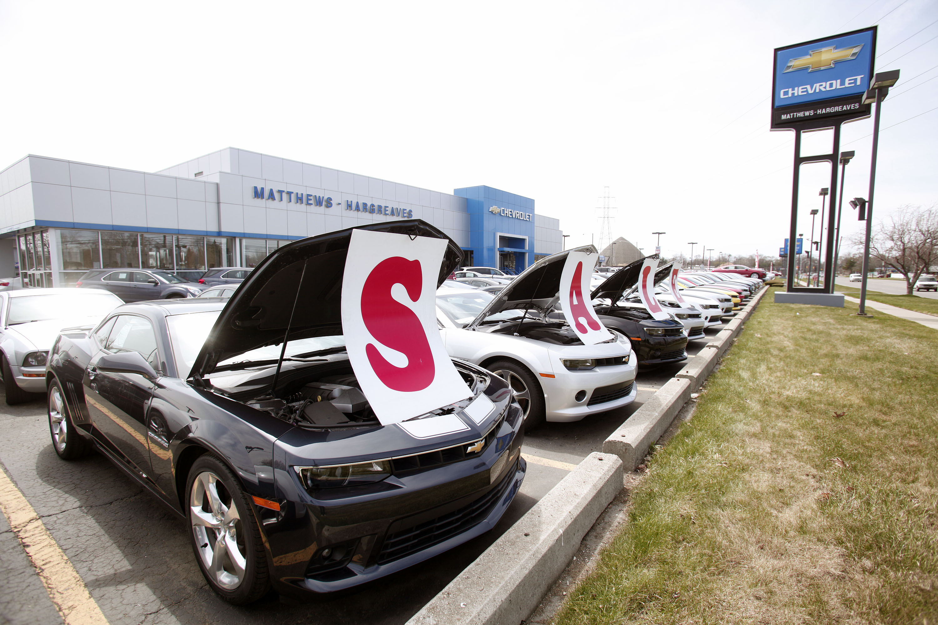 A General Motors Chevrolet dealership is shown April 24, 2014 in Royal Oak, Michigan