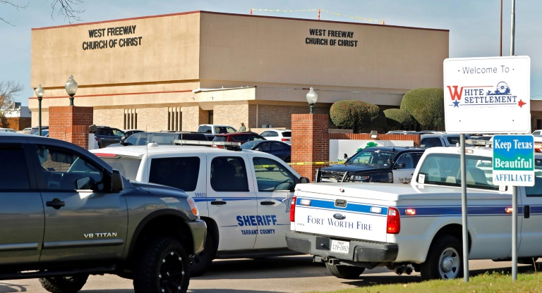 Churchgoers kill gunman who shot two during Texas service