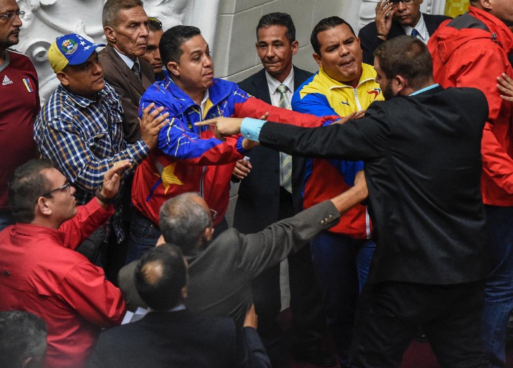 Street challenges power in Venezuela crisis