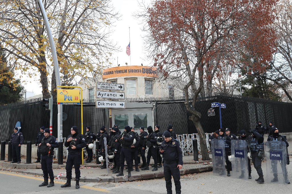 US embassy in Turkey to be closed over 'security threat'...