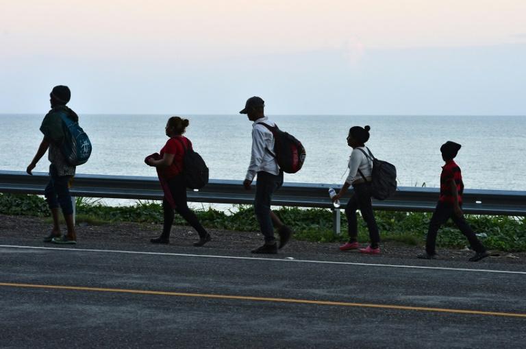 1,000 Honduran migrants preparing new US-bound caravan