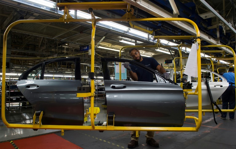 US manufacturing sinks into recession amid trade wars