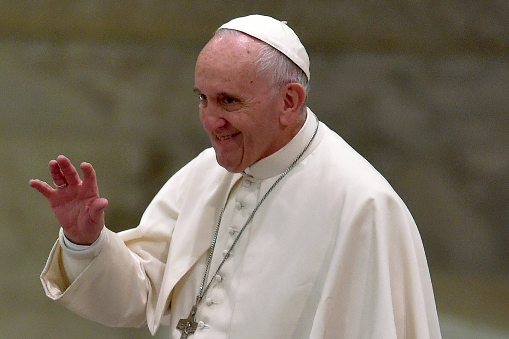 Pope Francis urges 'responsible behaviour' to stop AIDS spread