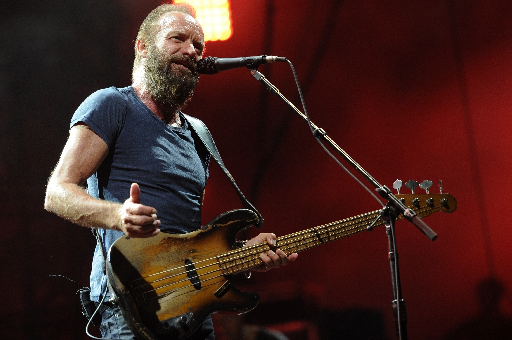 Sting wants to sing in Cuba before Jagger, guitarist says