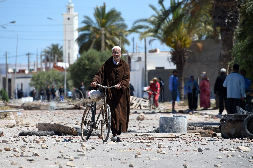 Tunisia top cleric's call to end strikes stirs outrage