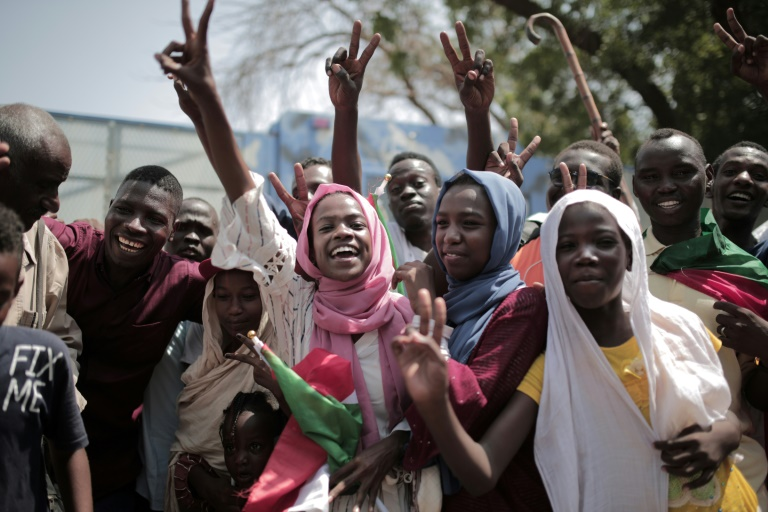 Crowds fill Khartoums streets to hail new Sudan