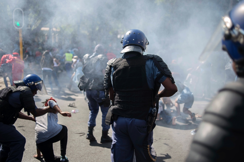 S. Africa vows to end violent student protests
