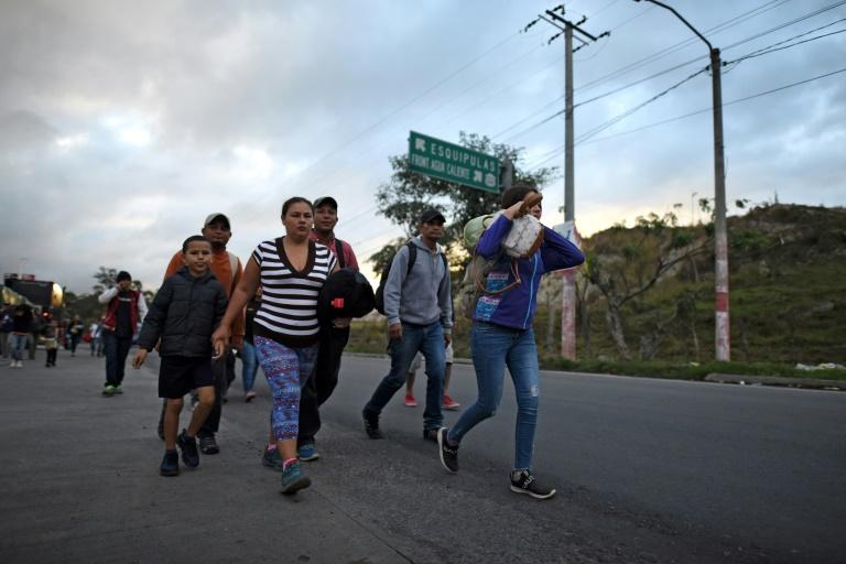Honduran migrant caravan rumbles on through Guatemala