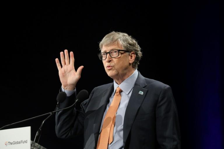 Elizabeth Warren challenges Bill Gates on wealth tax