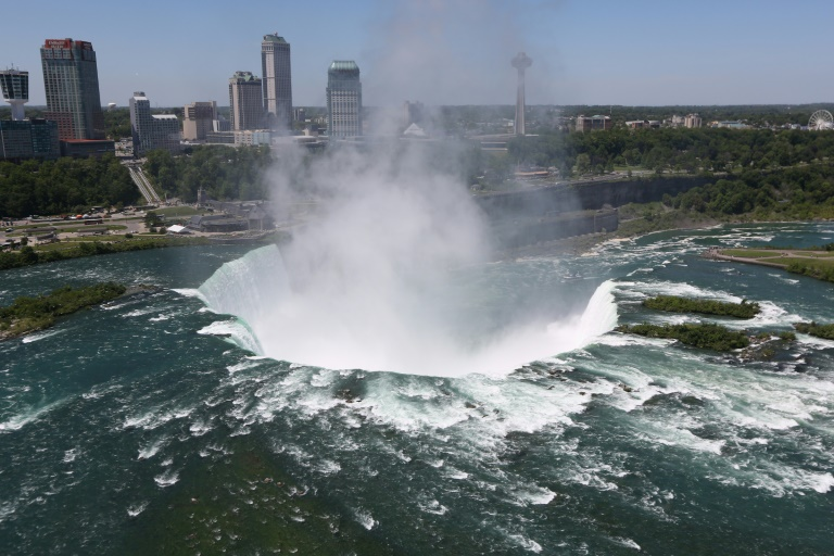 A man survives plunge over Niagara Falls