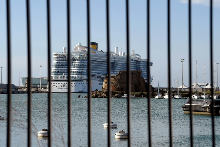 Italy lets passengers off cruise ship after virus scare
