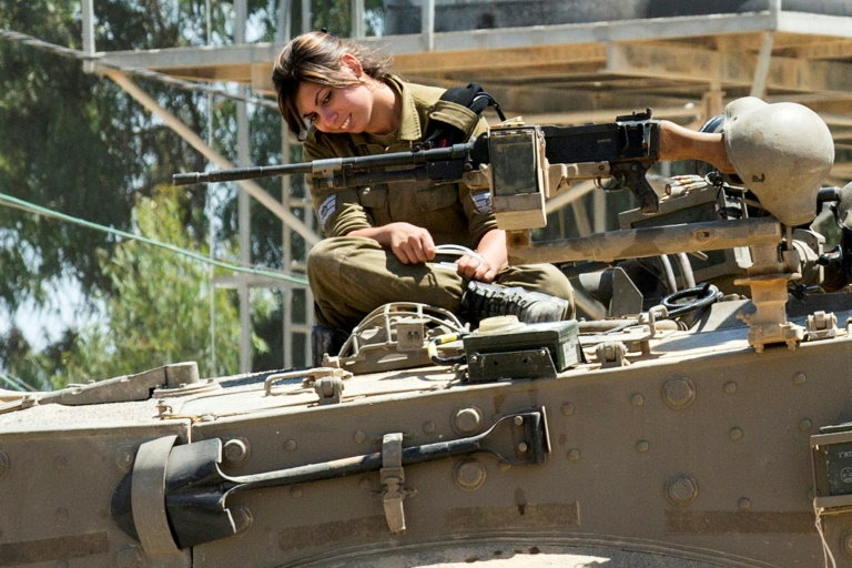 Israeli army to resume women tank crew trials