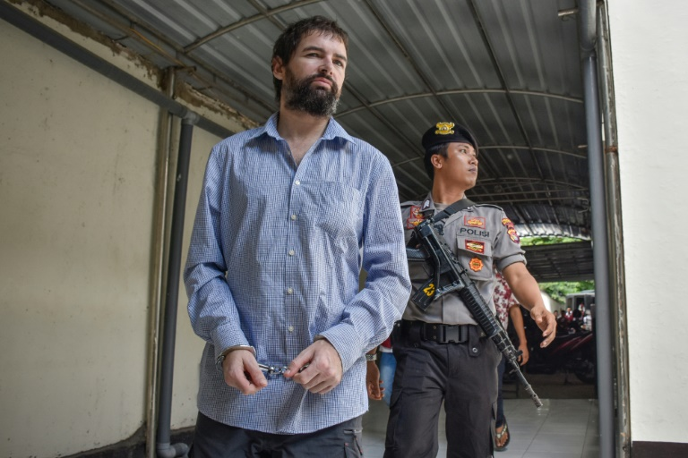 French drug smugglers death sentence commuted in Indonesia