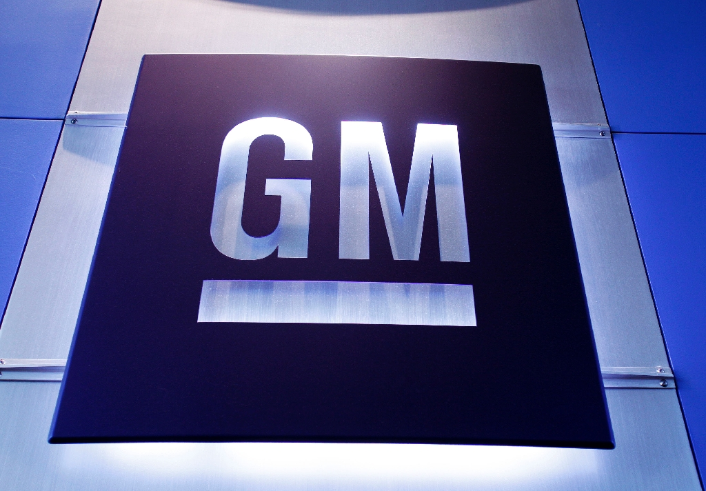 General Motors said it will pay at least $1 million in compensation to the families of each person killed in accidents apparently caused by defective ignition switches in its cars
