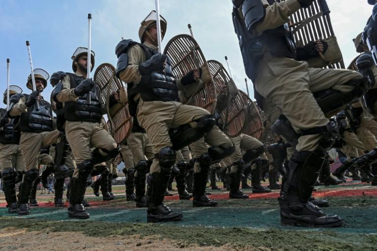 Indian police officer arrested for helping Kashmir militants