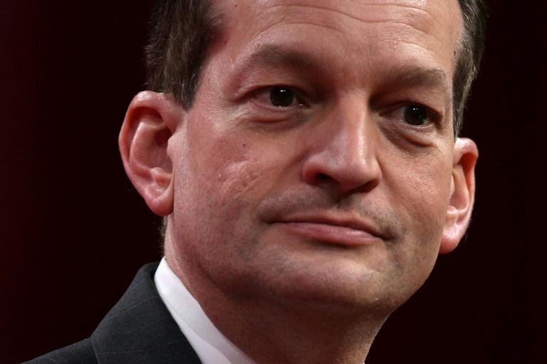 Calls mount for resignation of Trump labor secretary