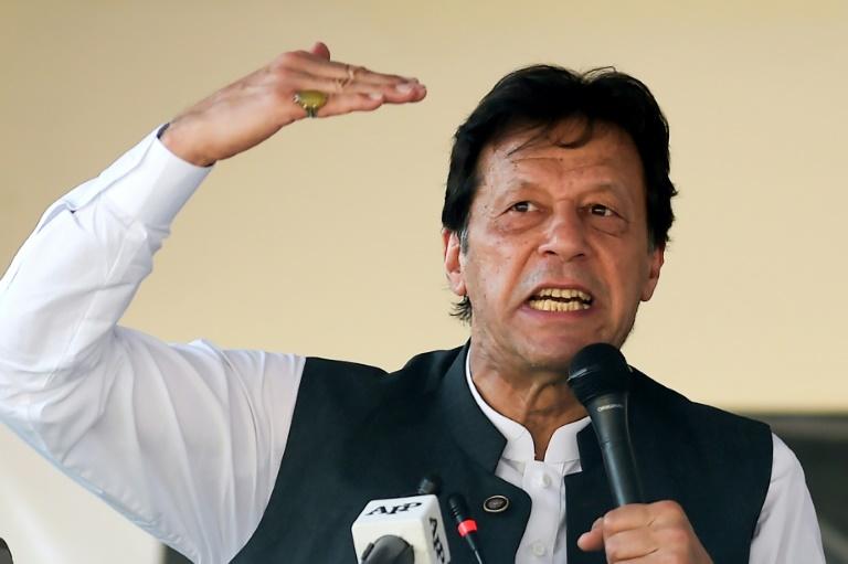 Pakistans Khan calls Modi cowardly, vows to raise Kashmir at UN