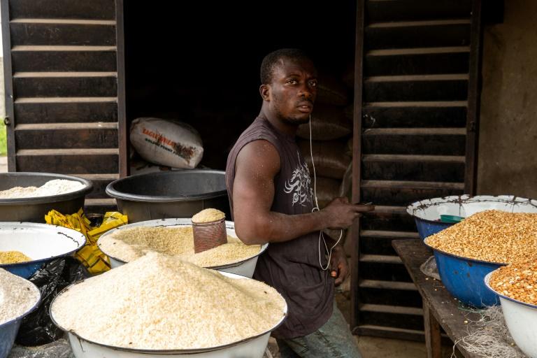 Border closure leaves rice-loving Nigerians steaming