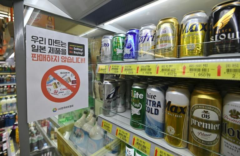 South Koreans boycott Japan beer in brewing trade row