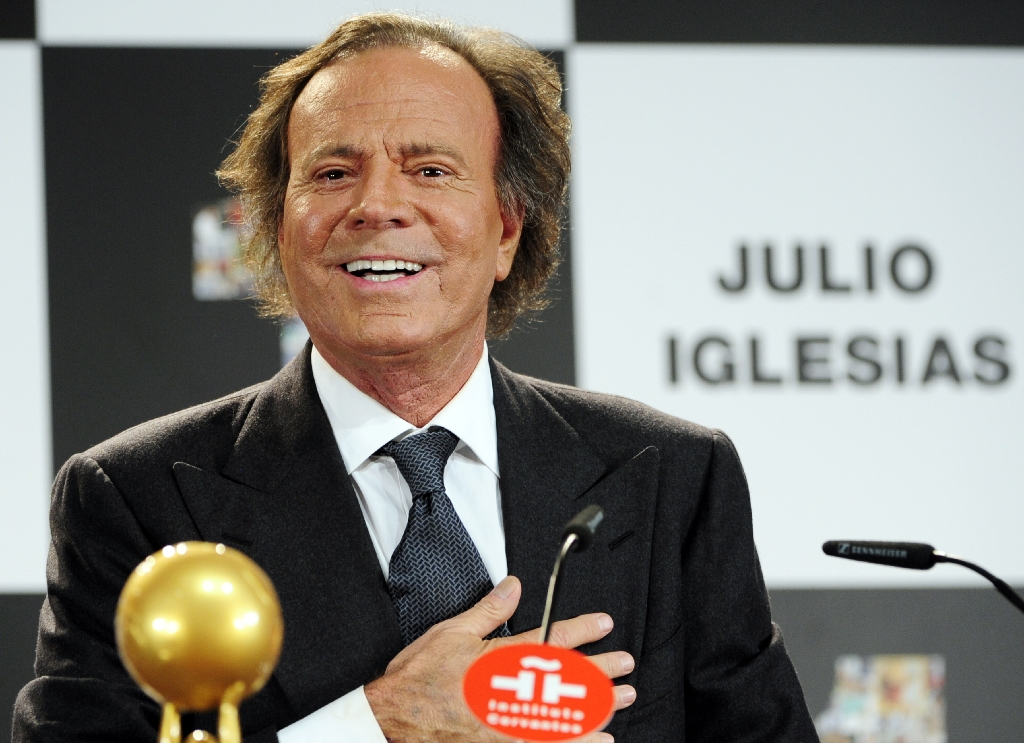 Julio Iglesias says will no longer perform in Trump casinos