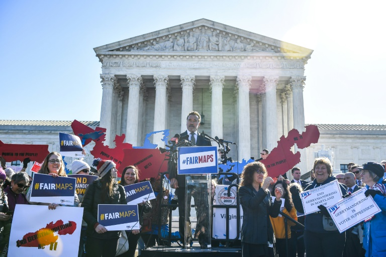 Supreme Court refuses to set limits on electoral redistricting
