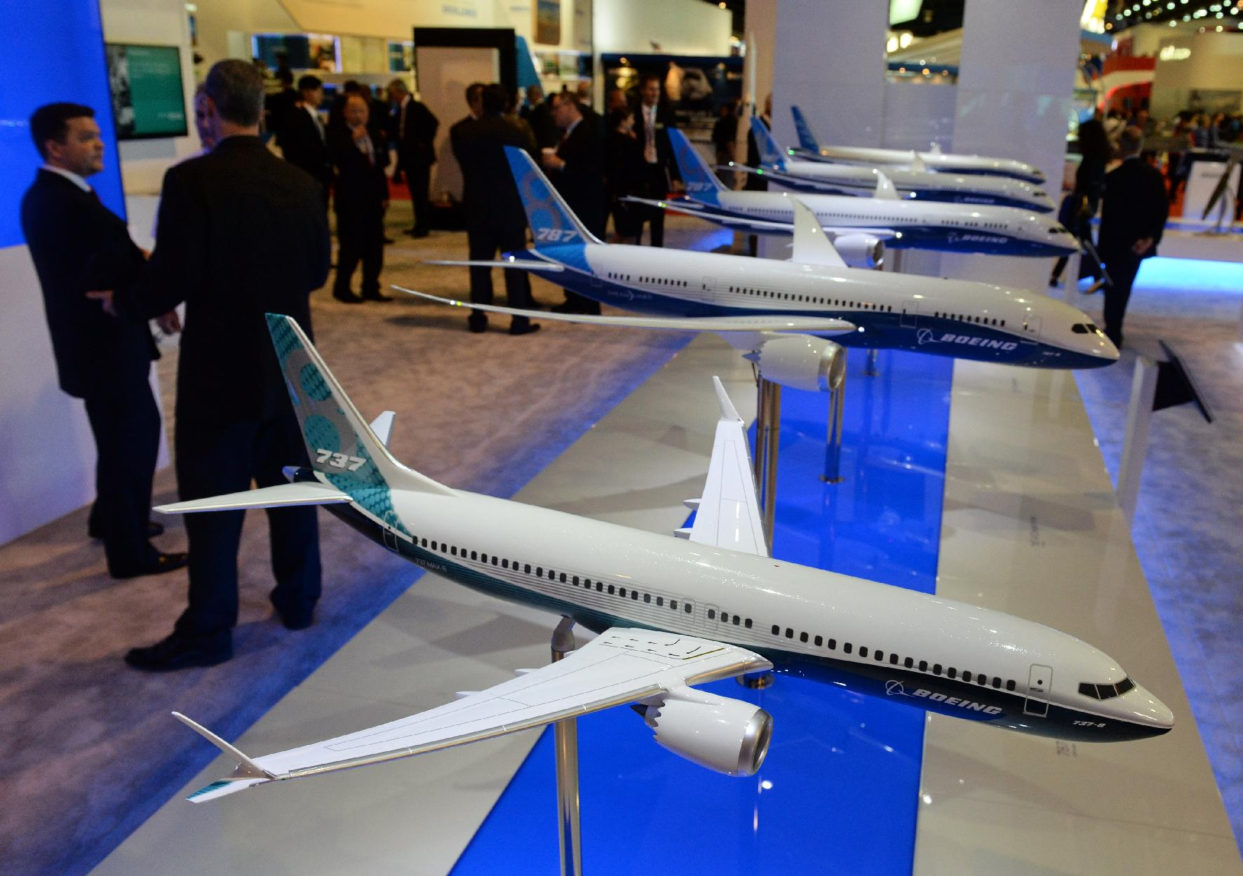 Wi-Fi worries prompt Boeing cockpit display change