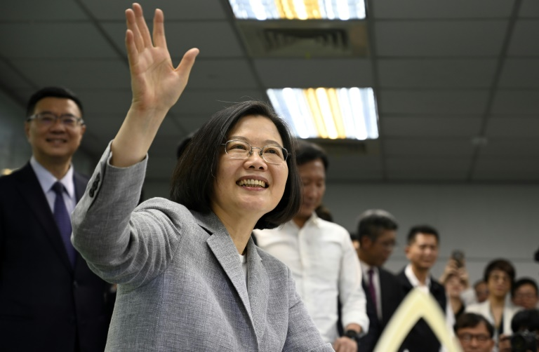 Taiwan leader plans US stopover on diplomatic tour