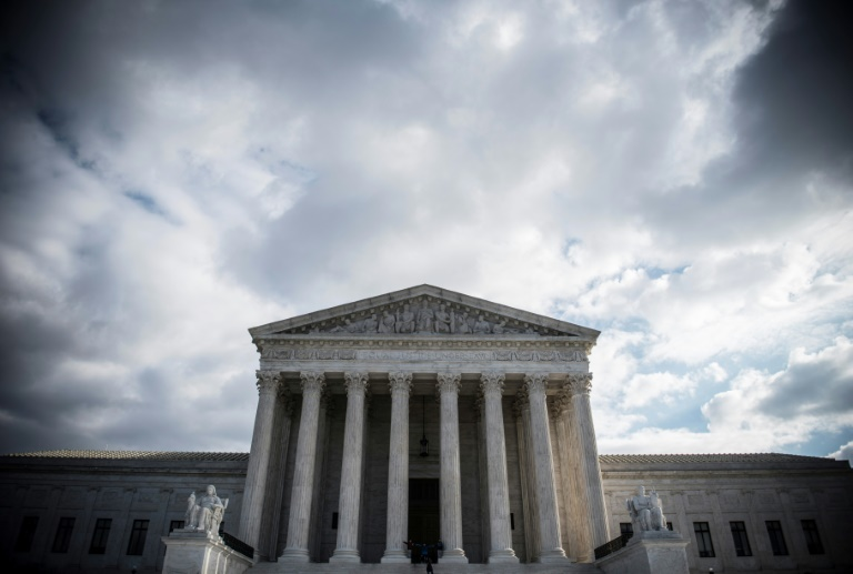 US top court sides with Trump on immigrant welfare benefits