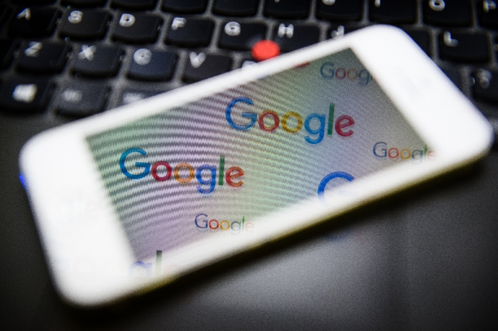 Google ads take aim at people on the move