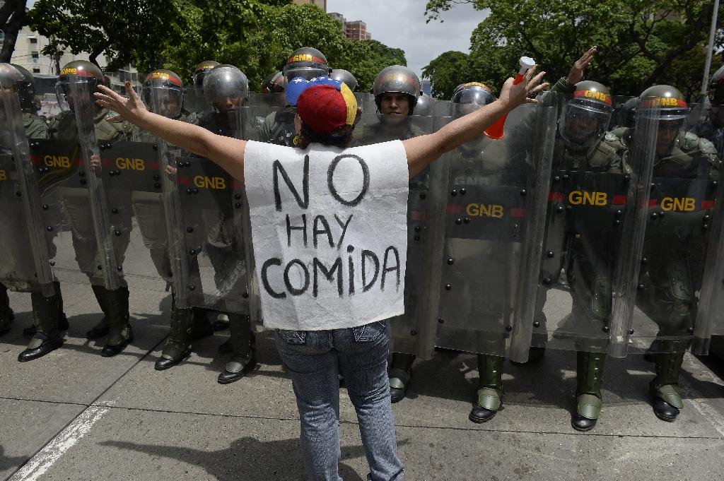 Venezuela state declares food emergency at schools