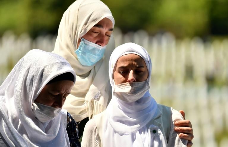 Bosnia Muslims mourn their dead 25 years after Srebrenica massacre