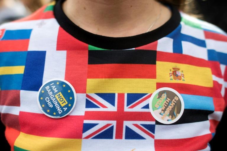 EU citizens uneasy at UKs Brexit settlement scheme