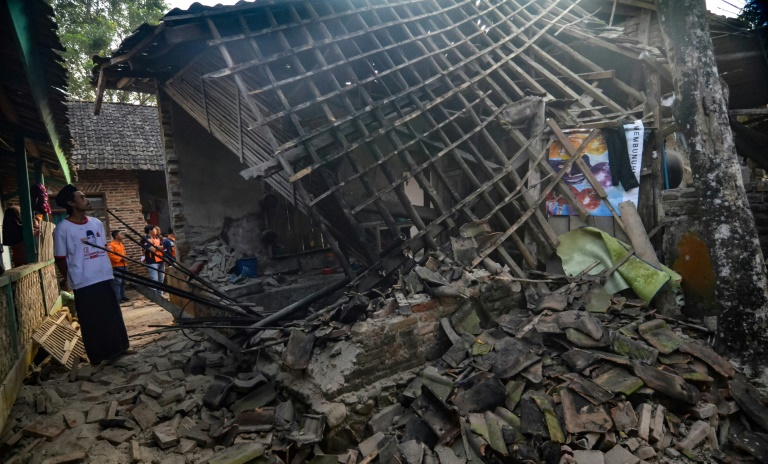 Five dead, several injured after powerful quake rocks Indonesia